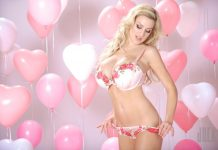 Jordan Carver Playing with Big Baloons - BIG BOOBS JORDAN CARVER